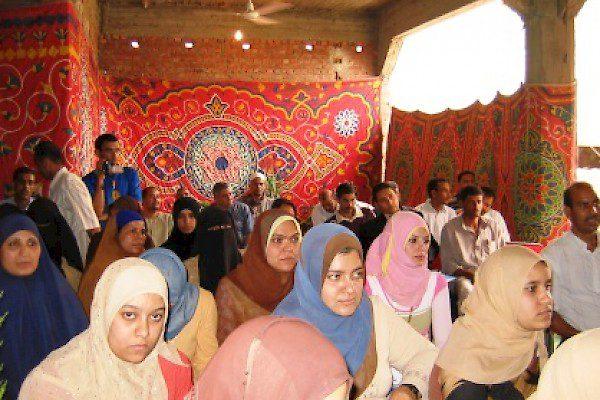 Γεφύρωση του χάσματος: Ενδυνάμωση και βιώσιμη ανάπτυξη των περιθωριοποιημένων κοινοτήτων στη Giza (2007-2010)